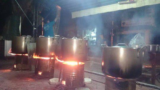 Nồi nấu cháo dùng bếp than