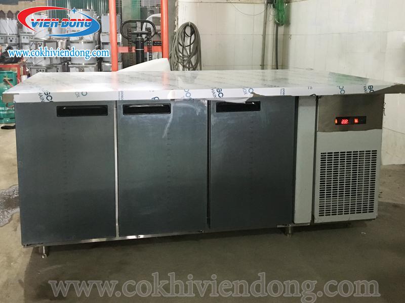Kiểu dáng của tủ đông mát công nghiệp kèm bàn làm việc