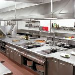Thiết bị bếp công nghiệp và tầm quan trọng khi mở cửa hàng hải sản