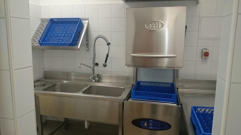 Máy rửa bát đĩa cho nhà hàng Ozti OBM 1080