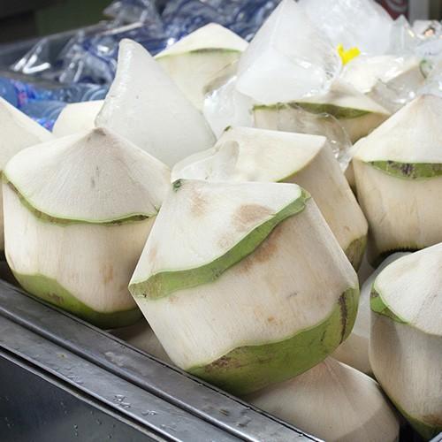 Cách gọt dừa không bị đen