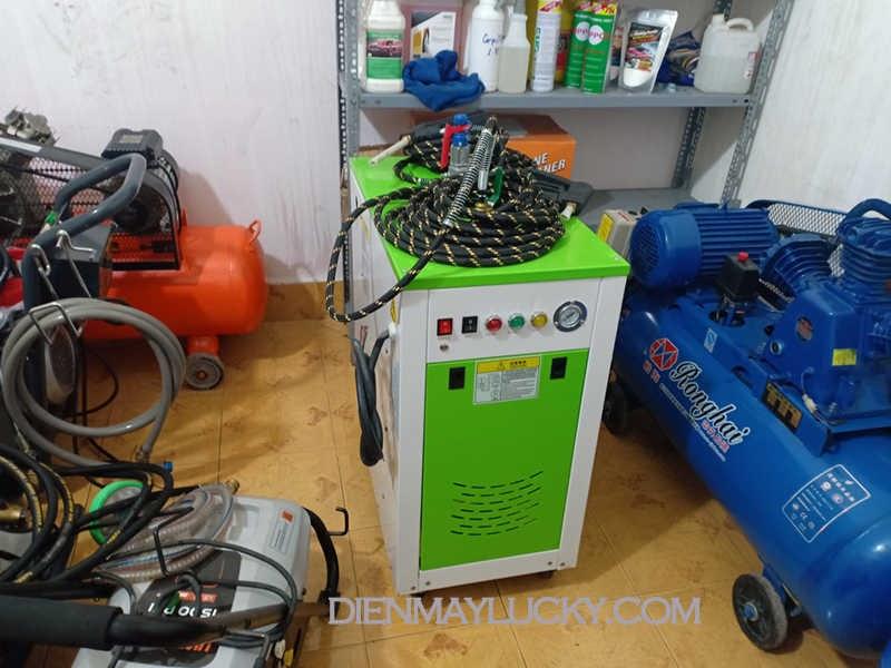 giá máy rửa xe hơi nước nóng