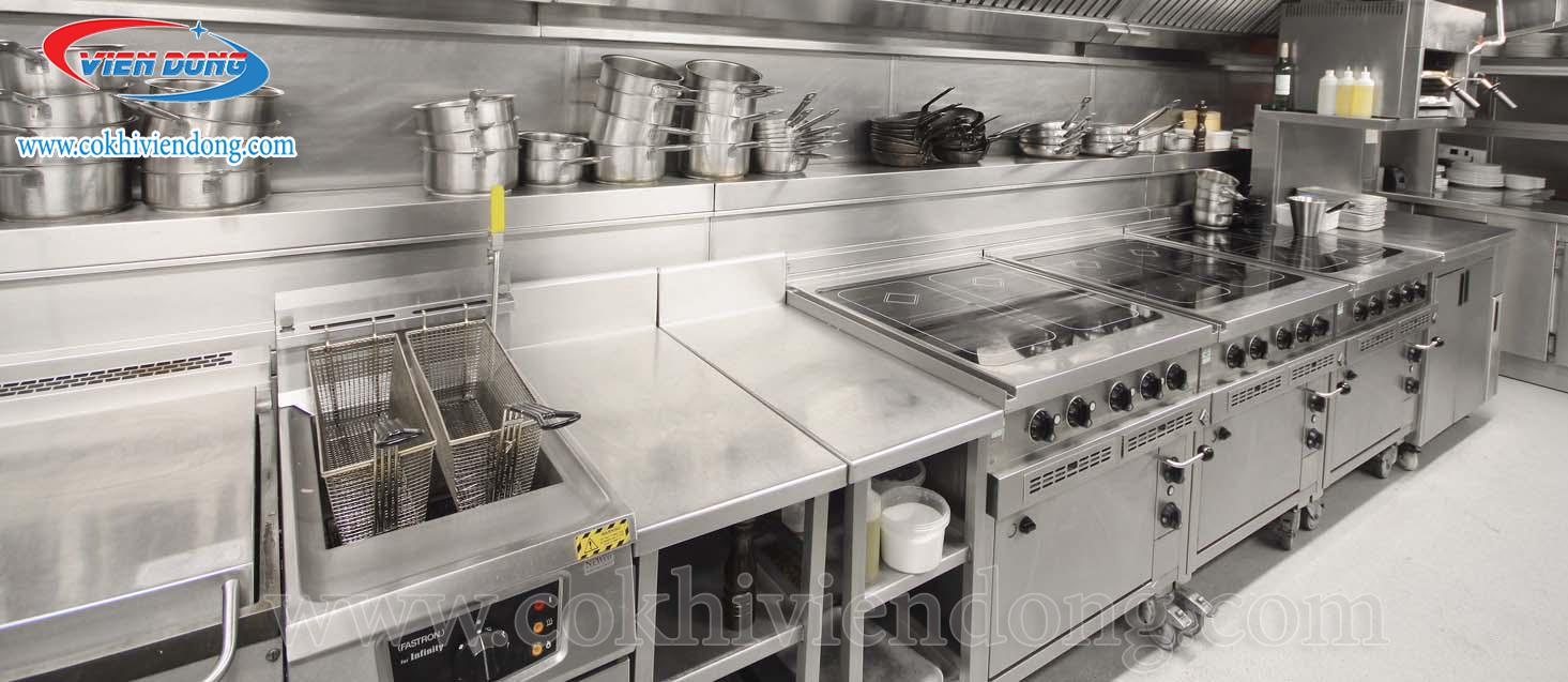 Cách thứ ba - Bố trí bếp ăn theo kiểu dây chuyền sản xuất