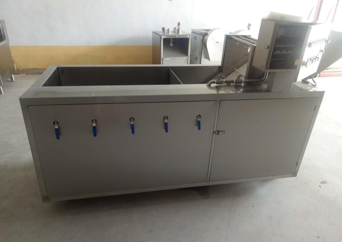 Máy rửa rau củ quả cho năng suất gấp 10-20 nhân công