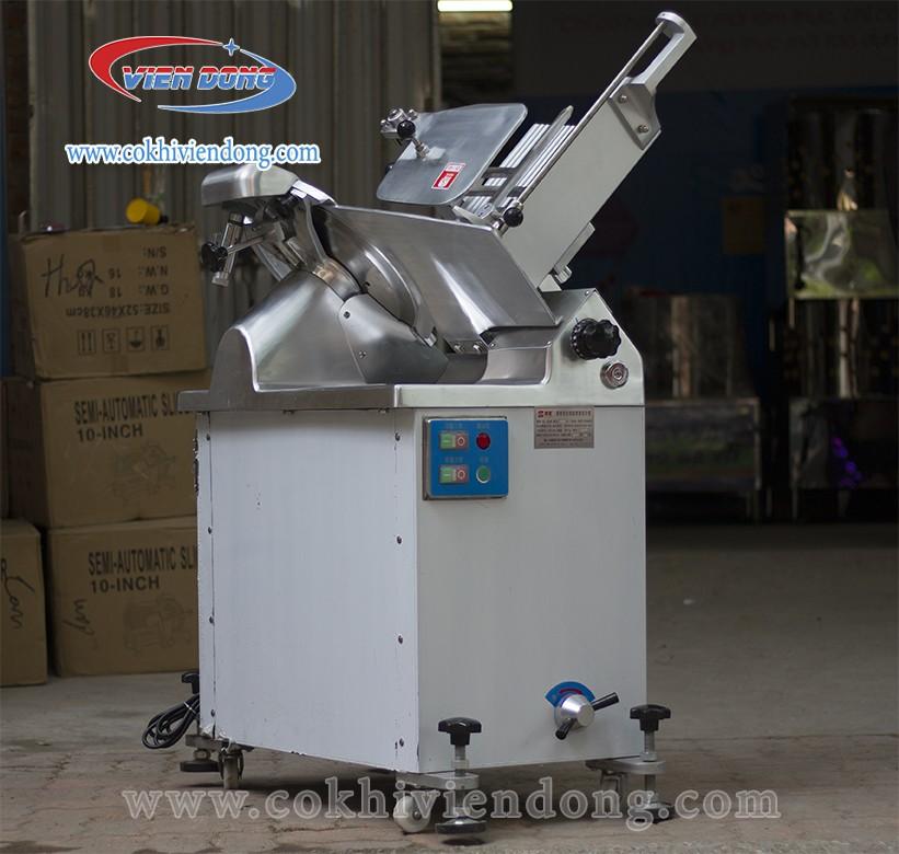 Máy thái thịt đông lạnh công nghiệp SL 350B sở hữu công suất vượt trội