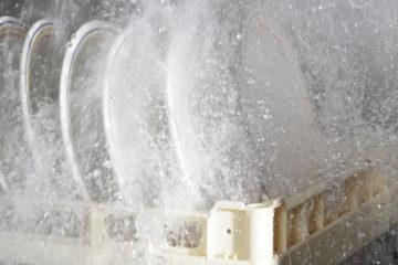 Máy rửa bát công nghiệp bao nhiêu tiền? Tại sao nên mua máy rửa bát nhà hàng?