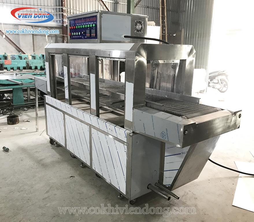 Máy rửa bát Việt Nam sản xuất có thiết kế thông minh